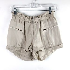 Aritzia Wilfred Linen Paradis Shorts in Sand